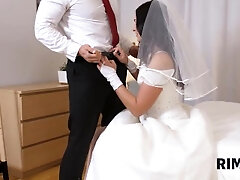 RIM4K Woman munches her fiances arse right before walking down the aisle