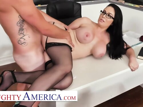 Brooke Beretta Is Horny And Wet For Her Student